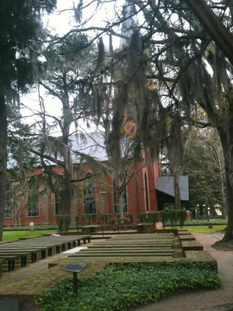 New Bern Tours & Convention: Very old church.  Check out the