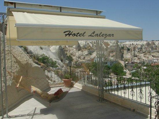 Lalezar Cave Hotel: teras