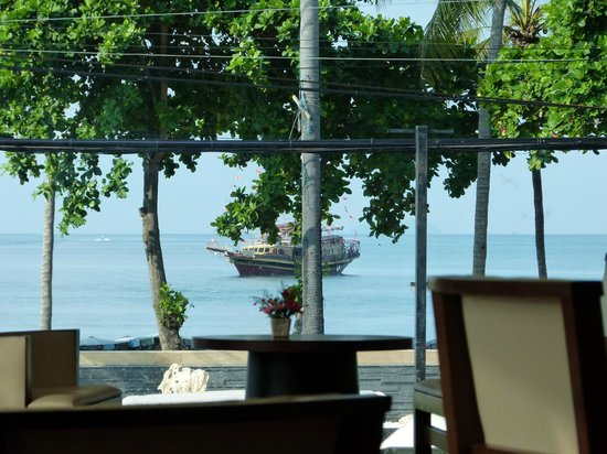 Grand Jomtien Palace: Открытая веранда для завтрака.(И вид пляжа)