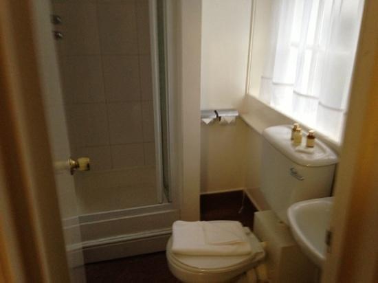 So Paddington : bathroom