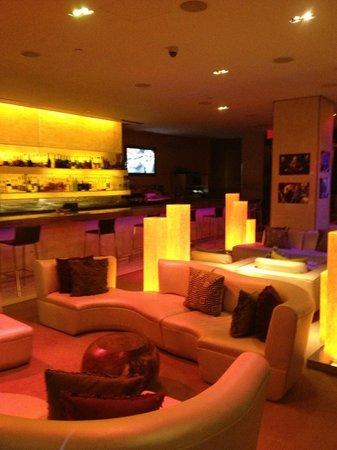 ดับเบิ้ลยู นิวยอร์คไทม์สแควร์: 7th Floor Bar at AM