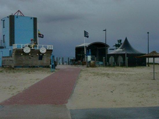 Center Parcs Park Nordseeküste: Weg zu Strand