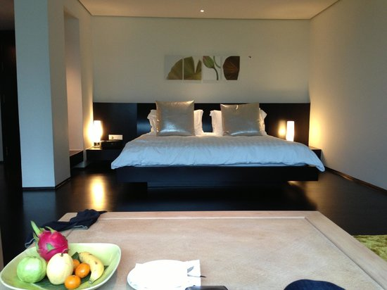 COMO Metropolitan Bangkok: Large and comfy bed