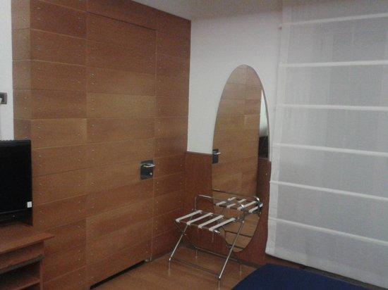 Grand Hotel Leon d'Oro : Camera (porta del bagno)