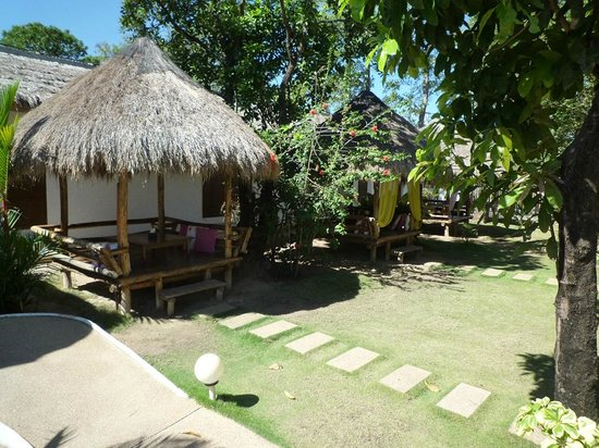 Sunz En Coron Resort: Gazebos with free wifi. Great for coffee or lunch, reading or chilling