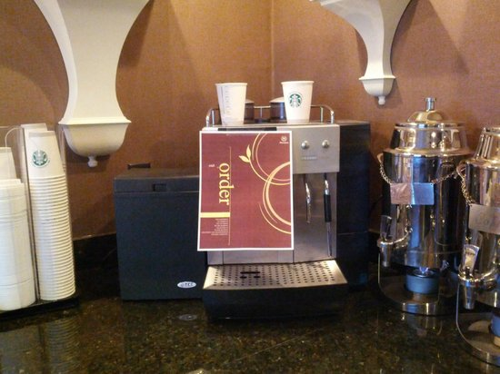 Sheraton Omaha Hotel: Club lounge - espresso/ latte machine out of order but was being addressed