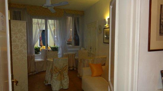 Hotel Casa Petrarca: Entrée