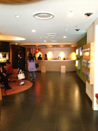 The B Ikebukuro: Lobby