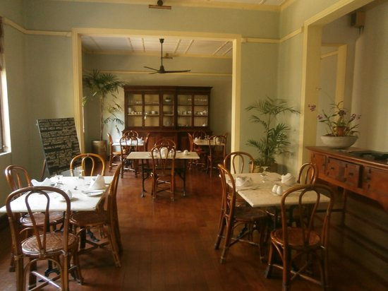 The Havelock Place Bungalow: The Dining Room