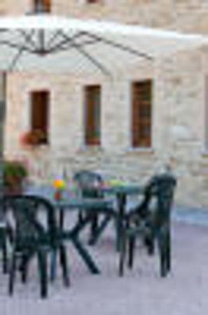 Bed and Breakfast Monticelli: esterno del casolare