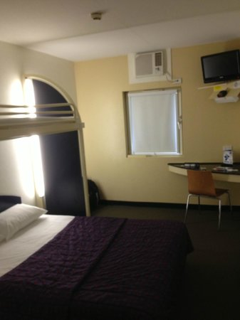 Ibis Budget Casula Liverpool : Room for 3 pax