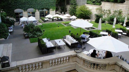 Palacio Duhau - Park Hyatt Buenos Aires: Courtyard