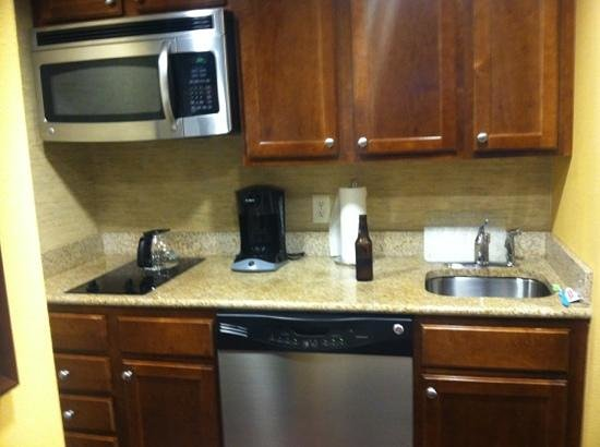 Homewood Suites Dover-Rockaway: kitchen area.. functional :)