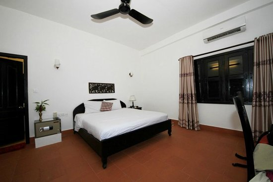 Sonalong Boutique Village & Resort: Our large bedroom.