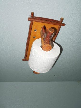 3 بيكس ريزورت آند بيتش كلوب: Toilet paper holder