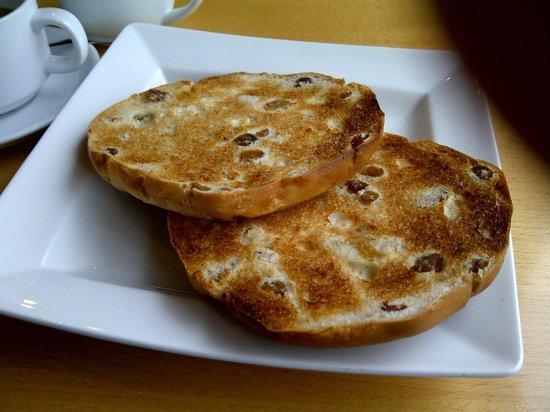 Millstream Bistro: Generous teacake