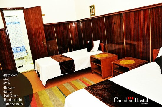 Canadian Hostel: room with bathroom