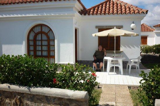 The pool picture of eo suite hotel jardin dorado for Bungalows jardin dorado