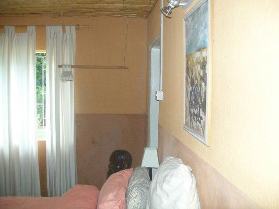 Kenjara Lodge: Our hanging space