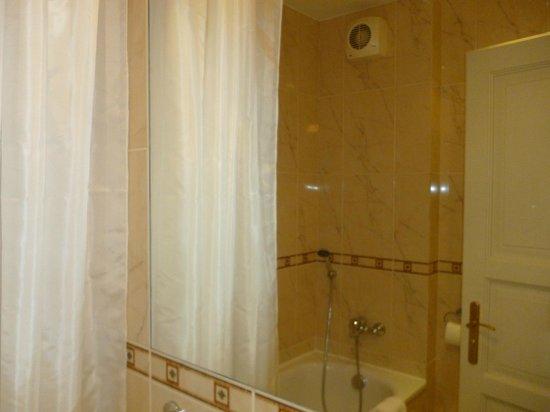 Hotel Raffaello: 302