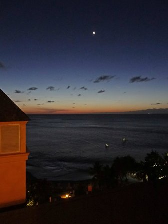 BodyHoliday Saint Lucia: moon rising over Cariblue beach
