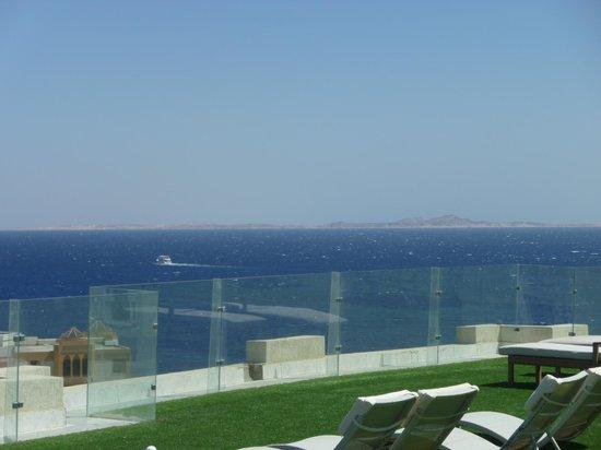 Sunrise Grand Select Arabian Beach Resort: View from sun terrace