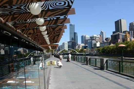 Mantra Southbank Melbourne: Southgate Restaurants are just around the corner