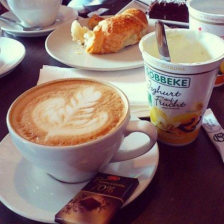 Traktern kaffebar: breakfast