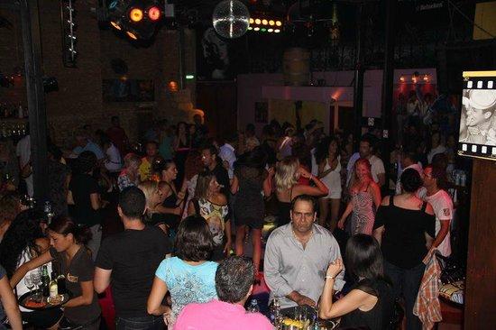 Retro Metropole Club: DANCING!!!!!!! :) :) :)