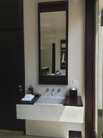 Wash Basin In Bedroom Suite Area So You Can T Wash Your