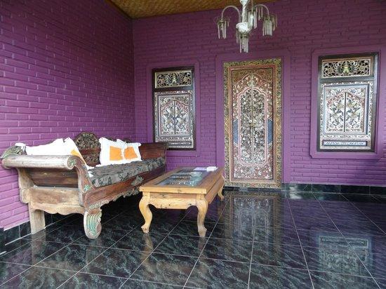 Rona Accommodation: terrasse de notre chambre