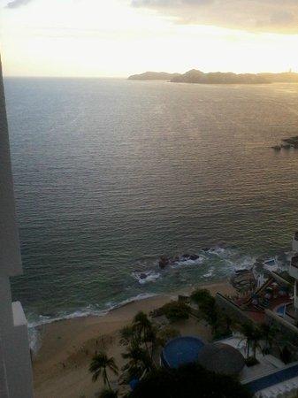 Holiday Inn Resort Acapulco: mar brillante