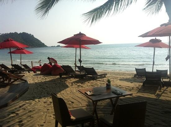 Anantara Rasananda Koh Phangan Villas: possible to have breakfast on the beach (amazing food).