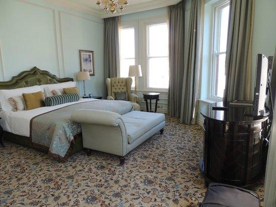 Taj Cape Town: Bedroom part of suite