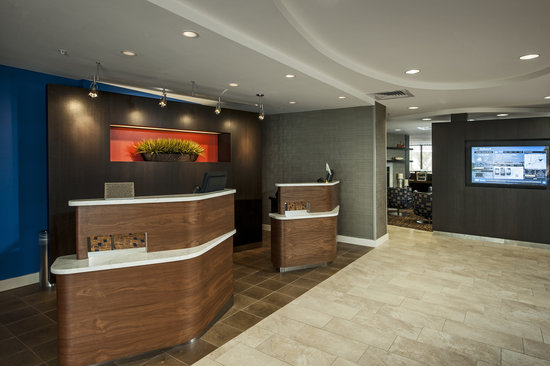 Courtyard Portland Airport: Lobby Renovation Complete