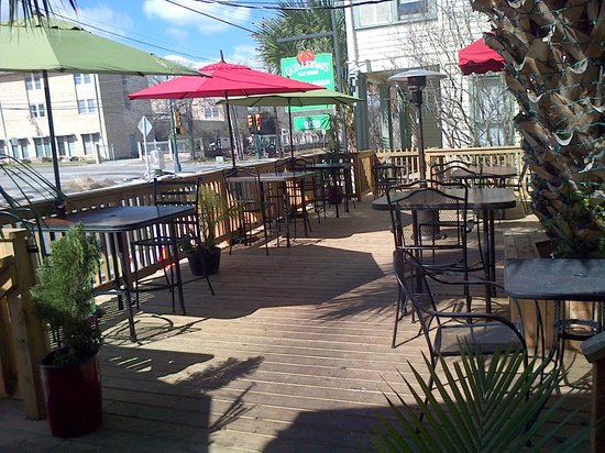Guillermo's: More Patio Seating