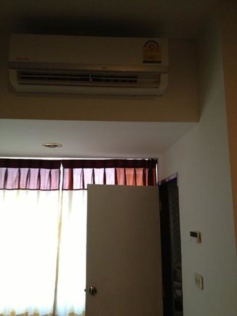 Buaraya Hotel Chingmai: Air condition