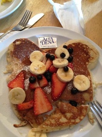 Cafe Classique : kids pancake with fruit