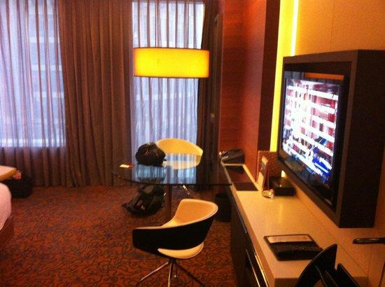 The Langham Shanghai Xintiandi: room