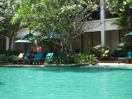 Banthai Beach Resort & Spa: piscine ombragée