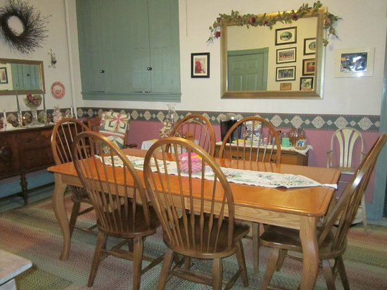 Kromer's Bed and Breakfast: Dining Room
