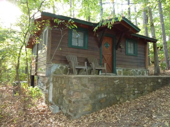 Five Points Cabins: cabin 4