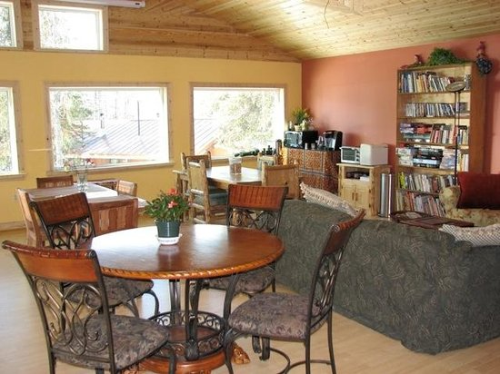 Denali Highway Cabins : A Great Room unlike anywhere else in Interior Alaska