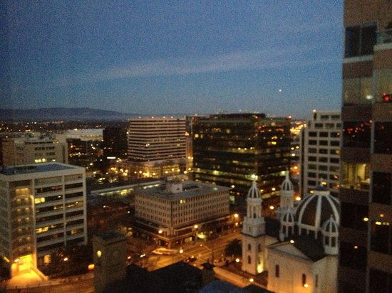 Fairmont San Jose: Beautiful view from the 19th floor.