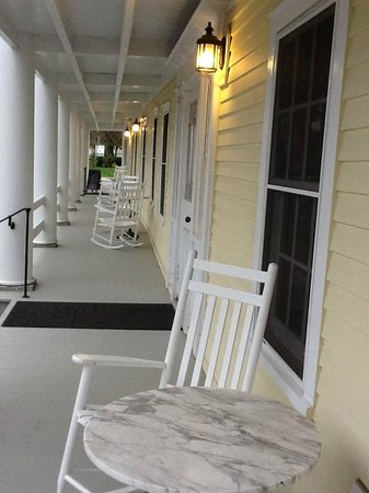 Essex Inn on the Adirondack Coast: Front porch, perfect for a morning cup of coffee or a glass of wine before dusk!