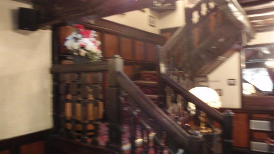 Pied Bull Inn: Creeky stairs to the ghosties