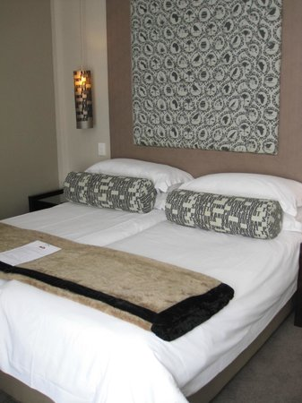 Grand Daddy Hotel: comfortable bed