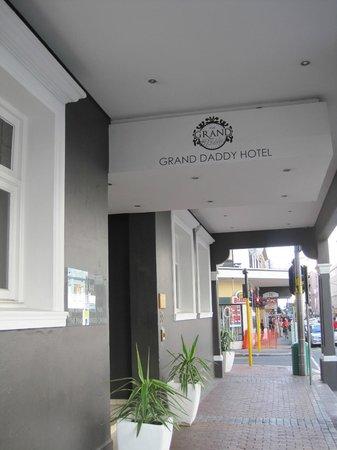Grand Daddy Hotel: street view