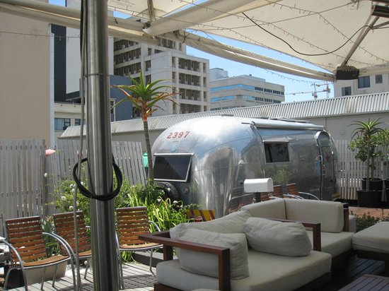 Grand Daddy Hotel: airstream trailer park on top of hotel