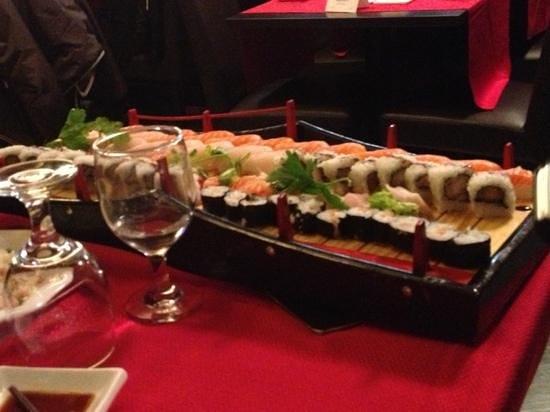 Barca per 4 persone foto di ristorante sushi 189 milano - Sushi porta ticinese ...